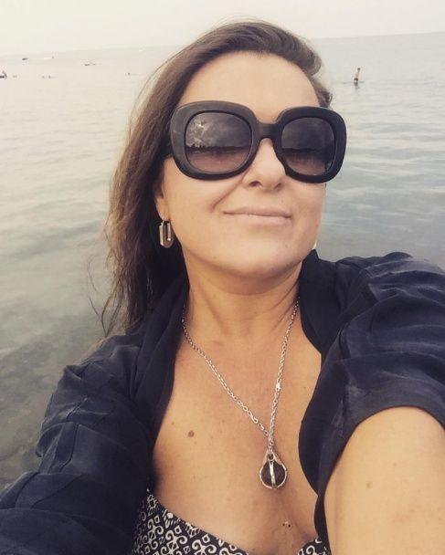 Схудла Наталя Могилевська вразила фігурою в купальнику