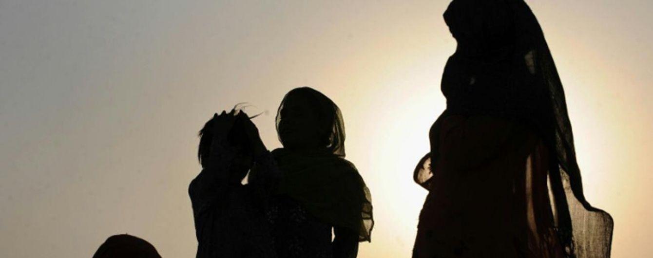 Афганець-священнослужитель одружився з 6-річною дівчинкою