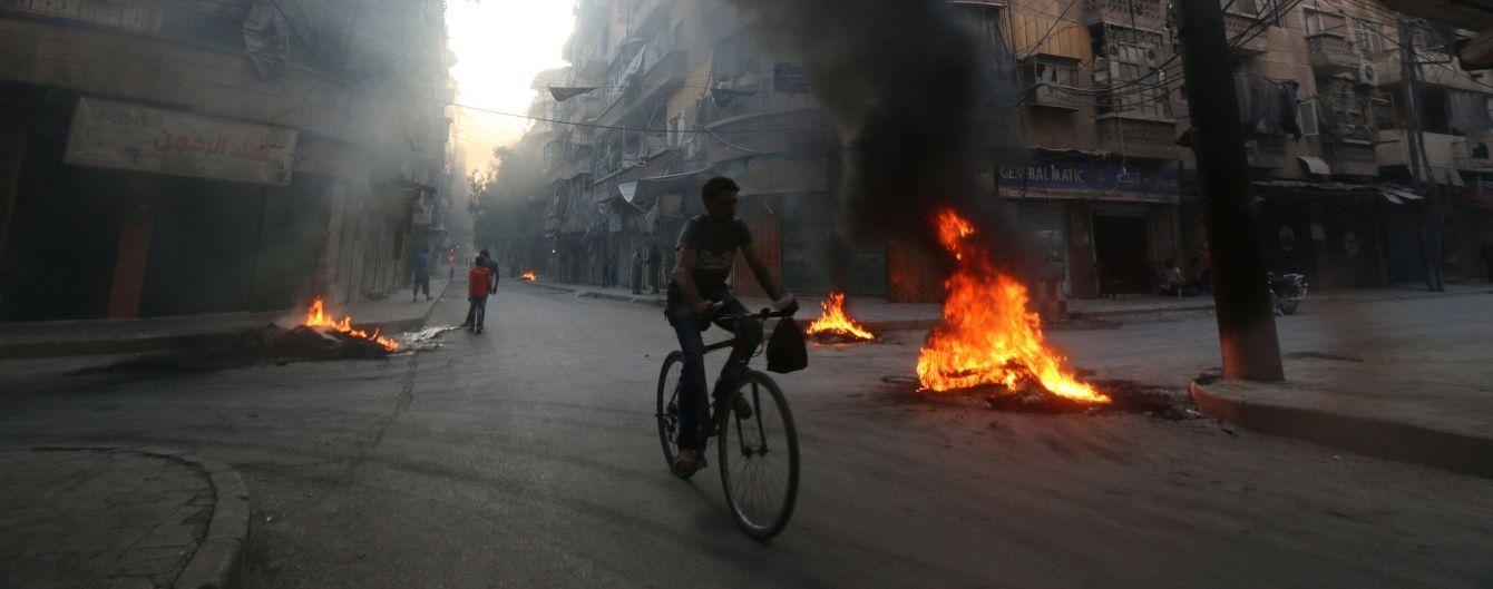 У сирійському Алеппо під обстрілами загинули півсотні мирних жителів