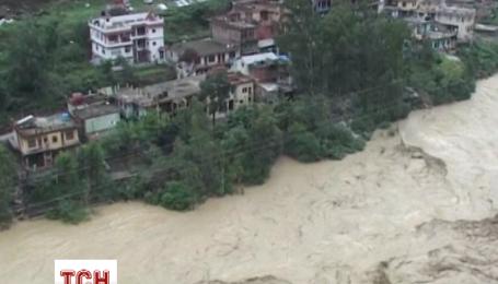 За 3 недели в Индии наводнения унесли жизни более полутора сотен человек