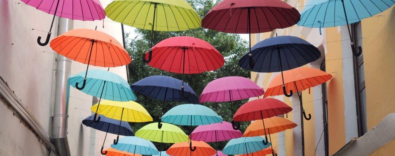 Дощі й спека розділять Україну навпіл. Прогноз погоди на 17 серпня