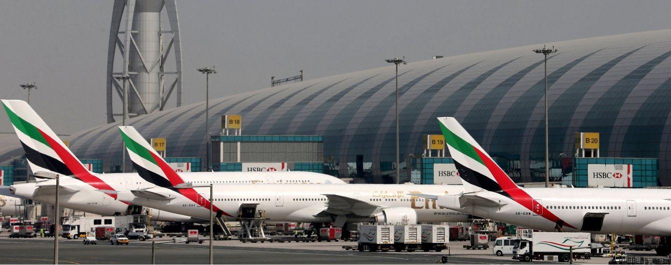 В небе в самолете рейсом Дубай-Париж женщина родила ребенка
