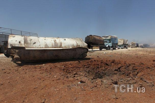 У Сирії через авіаналіт загинули 11 людей та згорів гуманітарний конвой