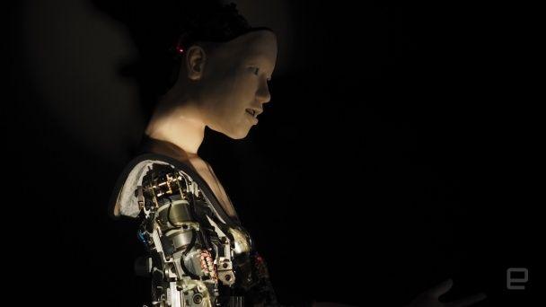 Дивується та реагує на подразники: в Японії створили унікального робота з нейромережею