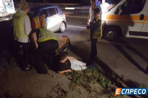 У Києві вночі Skoda на швидкості влетіла у стовп