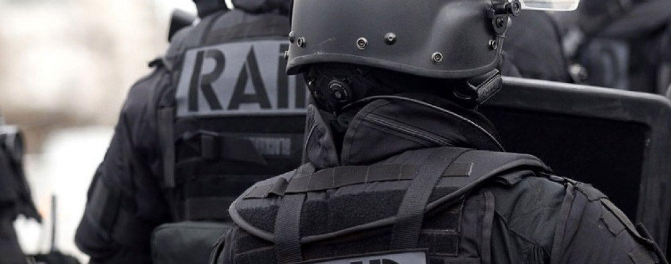 У Парижі поліцейські відкрили стрілянину по підозрілому автомобілю