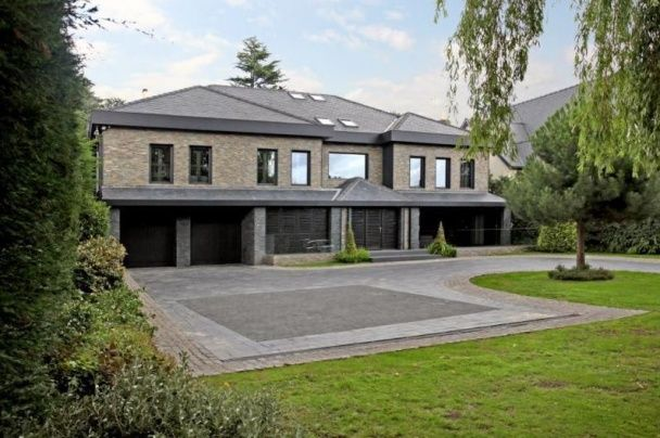 Англійські будні шведа. Ібрагімович знайшов розкішний маєток для своєї родини