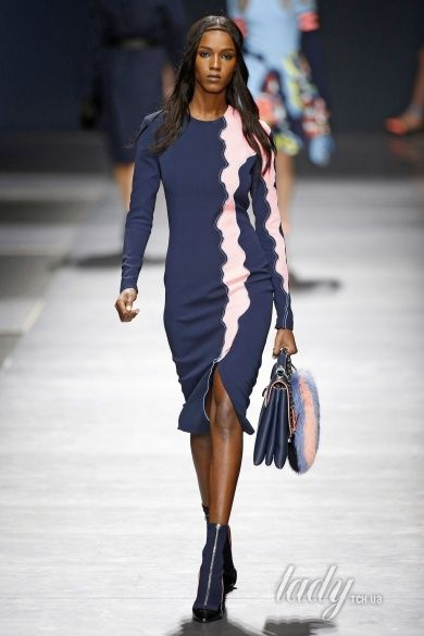 Коллекция Versace прет-а-порте сезона осень-зима 2016-2017_19