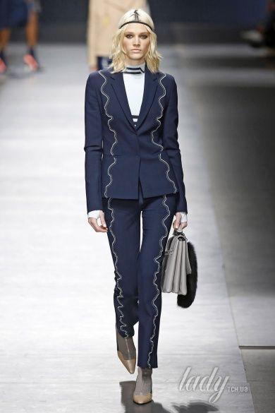 Коллекция Versace прет-а-порте сезона осень-зима 2016-2017_30