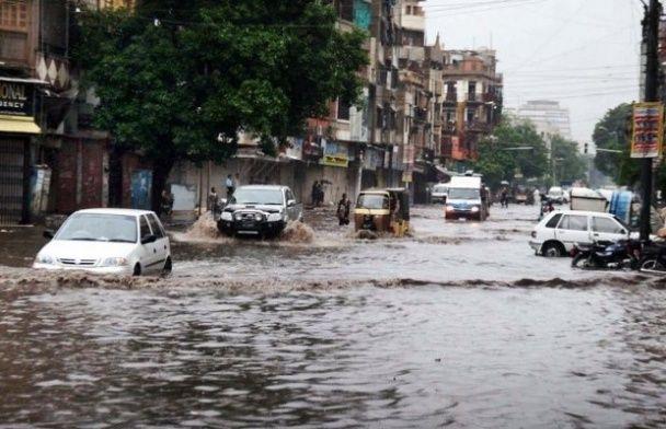 Повені у Пакистані забрали життя 15 людей