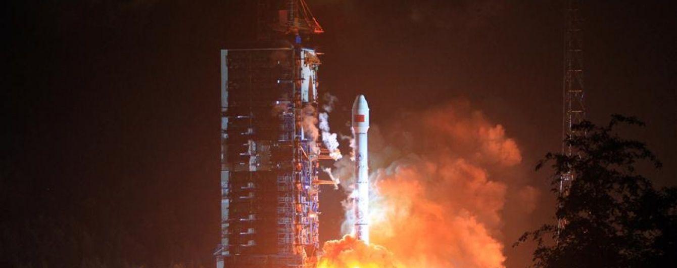 У Китаї запустили перший супутник мобільного зв'язку