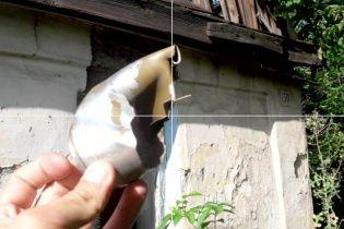 """Бойовики на Донбасі потрощили житлові будинки """"Градом"""""""