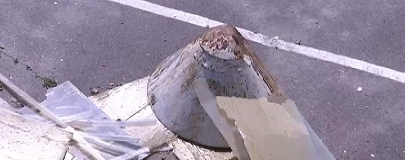 На Харківщині ураган позносив дахи, повиривав дерева та повалив рекламні щити