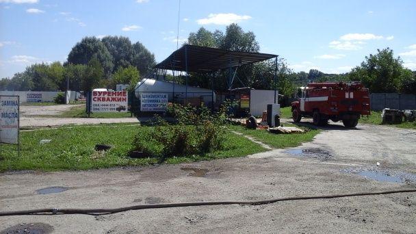 Під Києвом поблизу газової заправки спалахнула пожежа