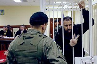 """Суд розглядає скандальну справу екс-бійців """"Торнадо"""" у закритому режимі. Онлайн-трансляція"""