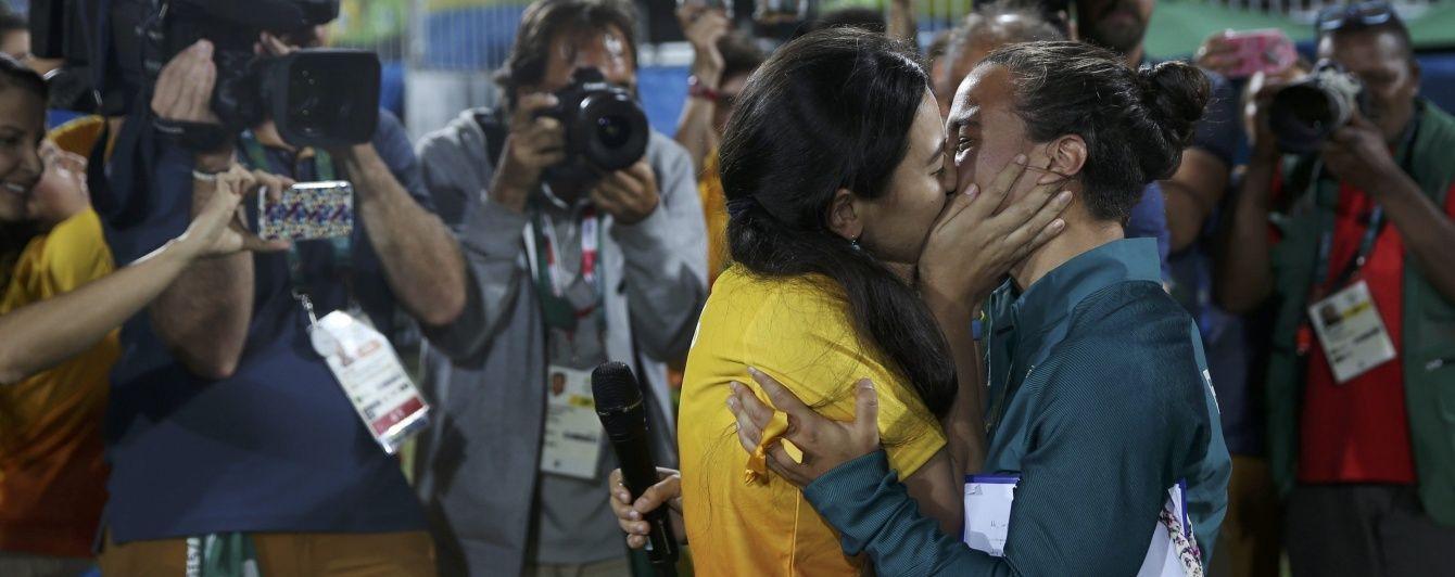 На Олімпіаді в Ріо працівниця стадіону освідчилася регбістці просто на полі