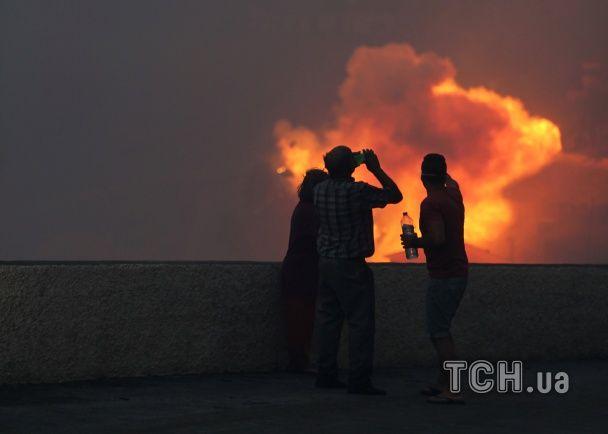 Португальська Мадейра у вогні: потужна пожежа дісталася до житлових районів