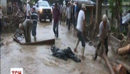 Мексика потерпает от шторма: около 50 человек погибли