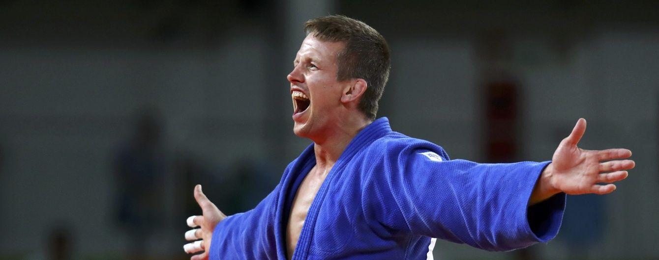 На пляжі в Бразилії грабіжник побив бронзового призера Олімпіади з дзюдо