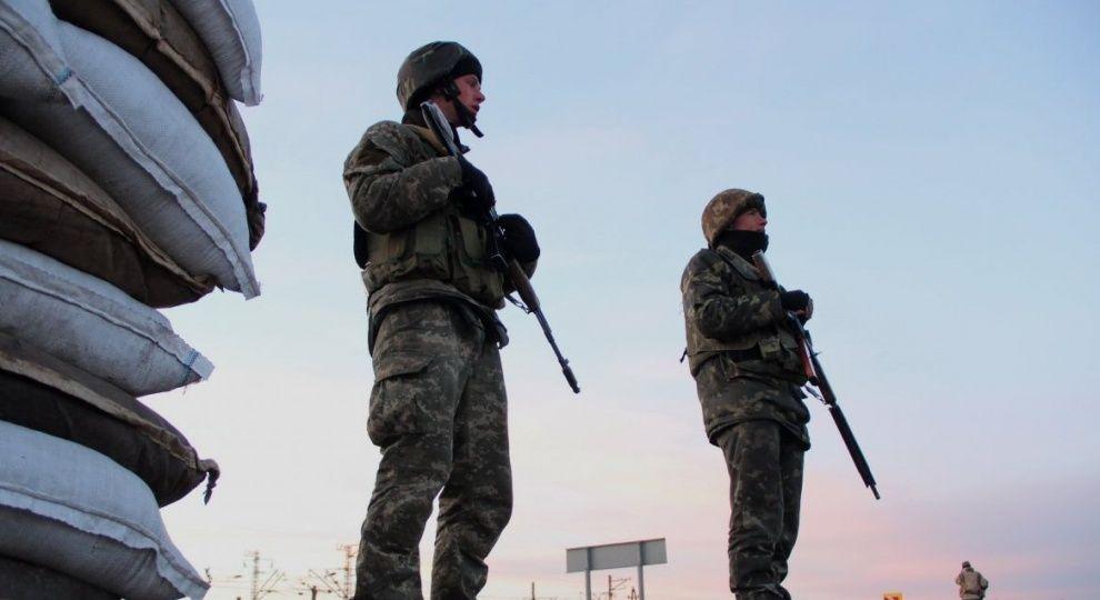 Один з нападників на прикордонників у Маріуполі втік до окупованого Криму - екс-чиновниця