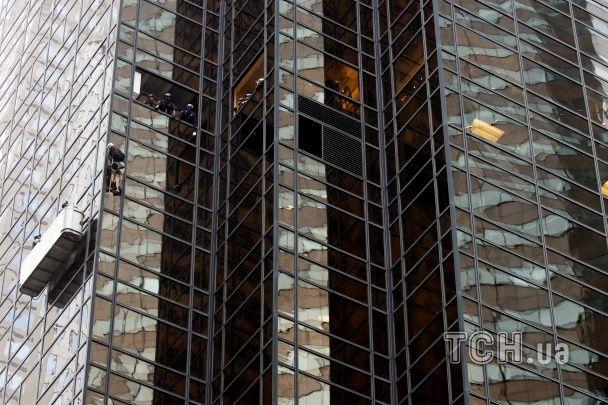 Екстремал видерся на найвищий житловий будинок Нью-Йорка, аби познайомитись з Трампом