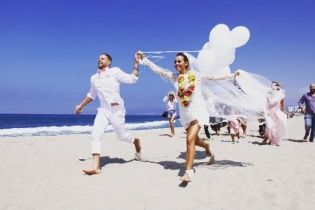 Екс-NIKITA Юлія Бричковська відгуляла розкішне весілля у Лос-Анджелесі