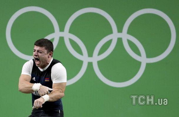 Вірменський важкоатлет отримав моторошну травму під час змагань у Ріо
