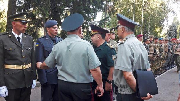 Полторак опублікував перші фото нової форми українських військових