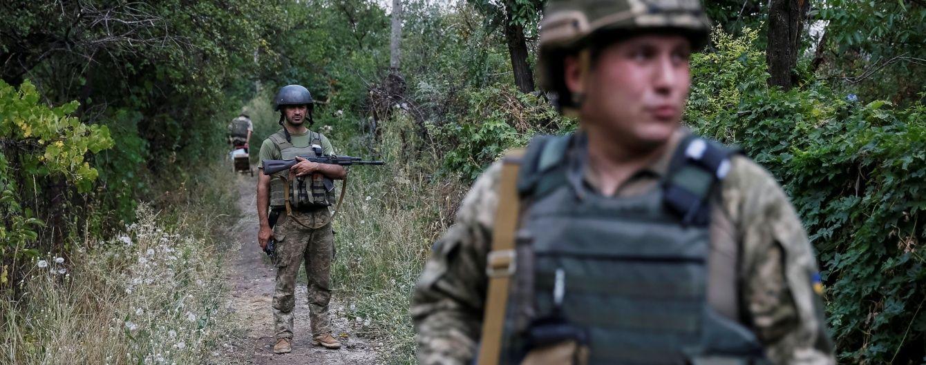 """Ворог порушує """"режим тиші"""" та обстрілює українські війська з мінометів і гранатометів. Дайджест АТО"""