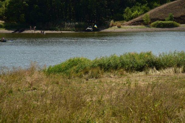 У воді та на суші. Аброськін показав, як тренується поліцейський спецназ Донеччини