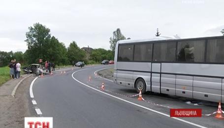 На Львівщині у страшну аварію потрапила родина із Азербайджану