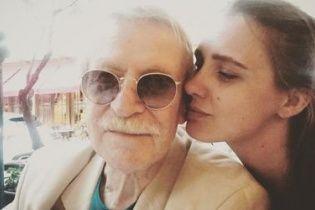 Молода дружина 85-річного Краска розповіла, чи пожалкувала про шлюб із ним
