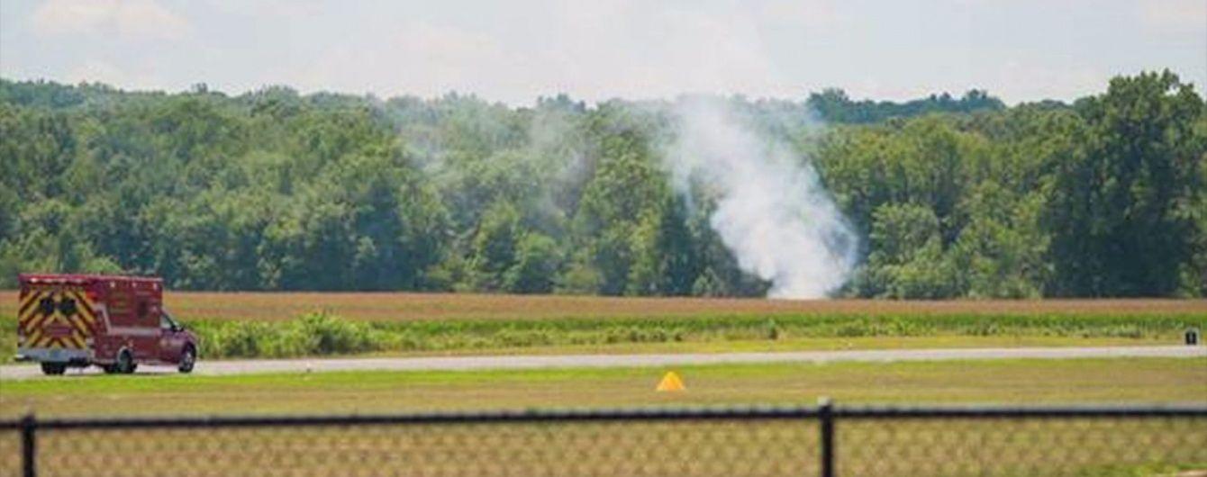 У США на очах у пасажирів поїзда розбився літак