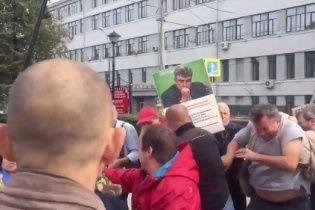 У Москві жорстоко побили активістів, які вийшли на акцію проти війни з Україною