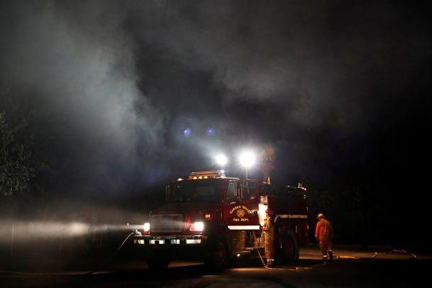 З'явилися фото нищівних лісових пожеж у США, через які евакуювали тисячі людей