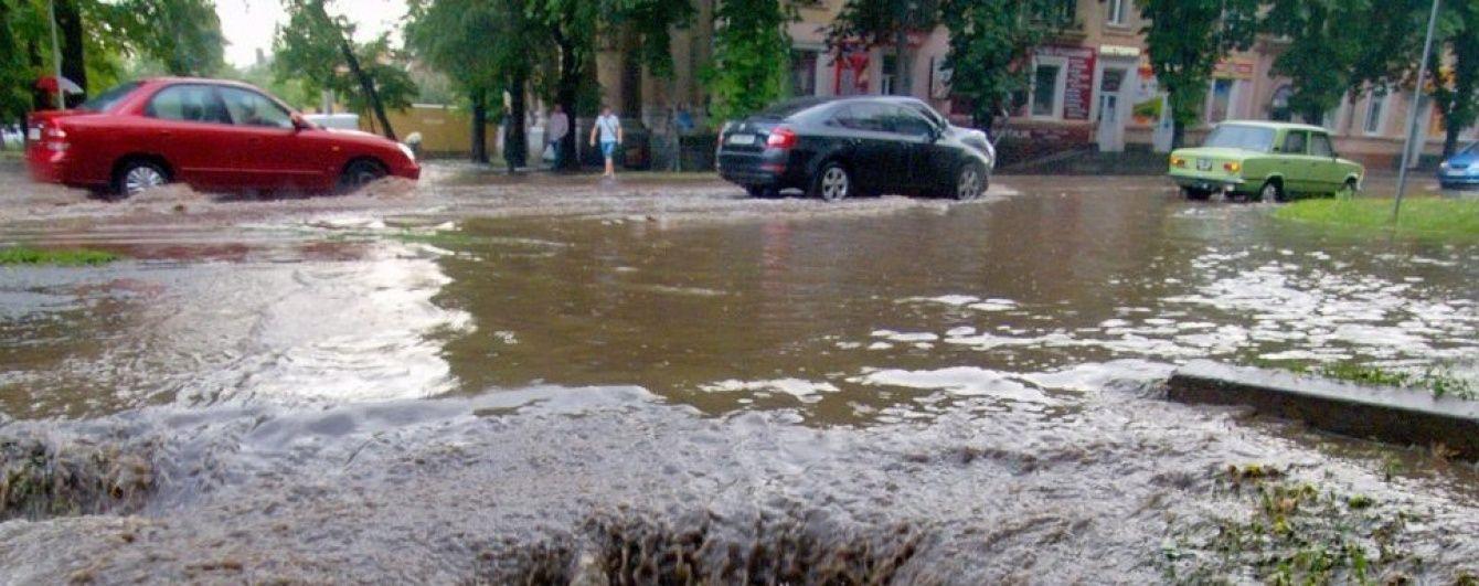 На Закарпаття насуваються сильні зливи, вода в річках може підвищитися на метр – ДСНС