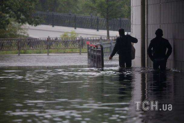 Москва попливла через потужні зливи