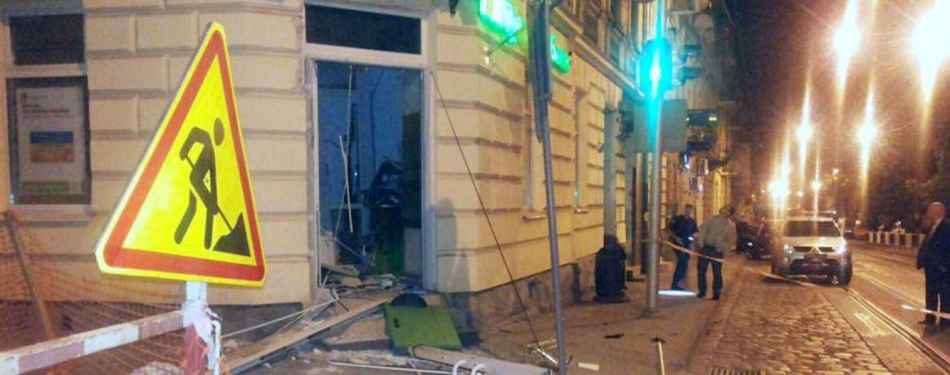 Після вибуху банкомату у Львові грабіжникам не вдалося вкрасти гроші