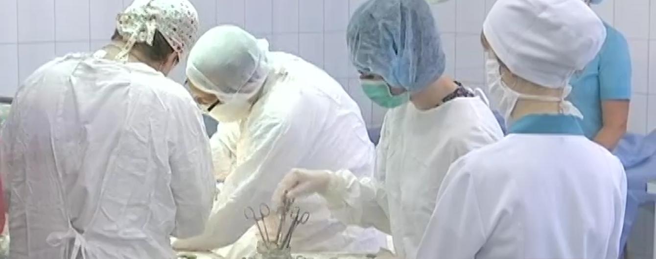 Із передової АТО госпіталізували трьох бійців зі страшними травмами