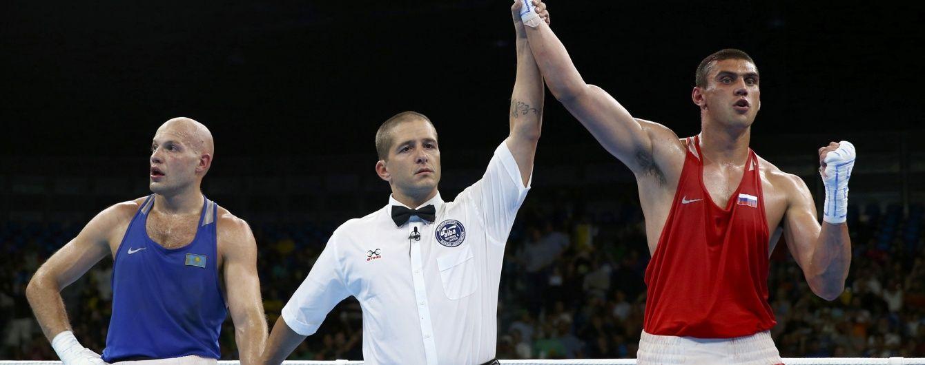 Російський тренер розкритикував суддів, які віддали перемогу його боксеру