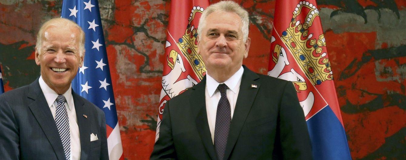 Президент Сербії на зустрічі з Байденом відмовився вводити санкції проти Росії