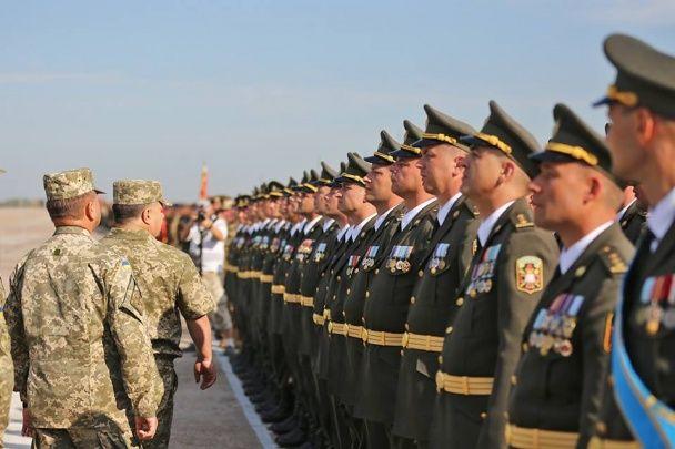 Міноборони показало підготовку до Маршу Незалежності військових в оновленій формі