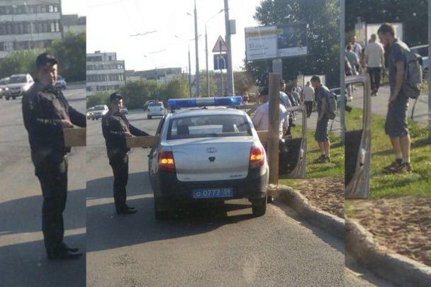 """У Росії поліція посеред вулиці затримала """"Ісуса"""", який ніс на спині величезний хрест"""