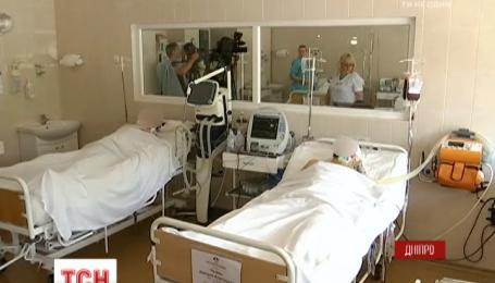 6 бійців із зони АТО доправили до Дніпропетровської обласної лікарні Мечникова