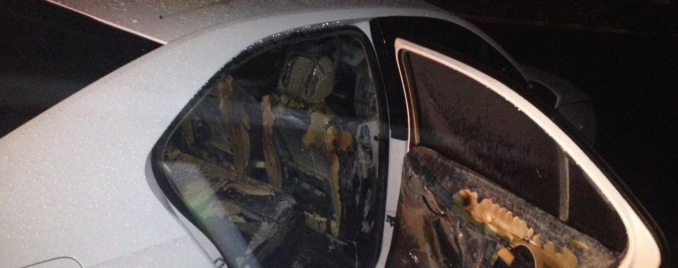 У Франції хулігани спалили більше тисячі автомобілів у новорічну ніч