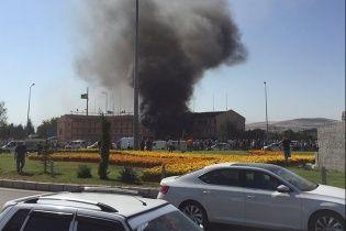У Туреччині підірвали авто із вибухівкою під штабом поліції