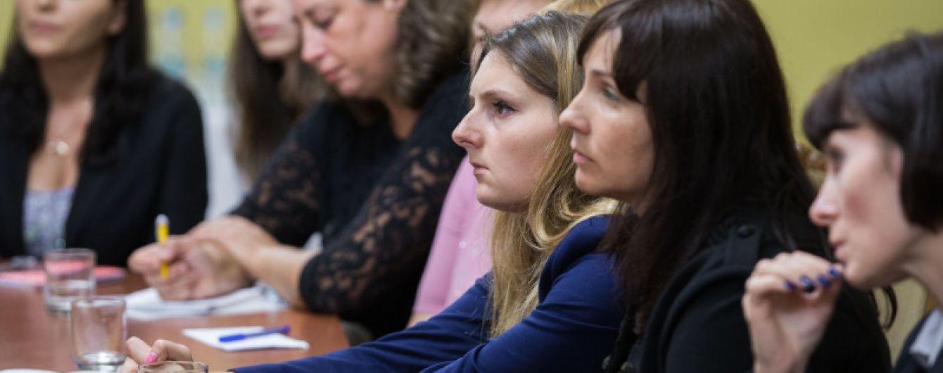 Матері полонених українських воїнів домоглися уваги посла Франції