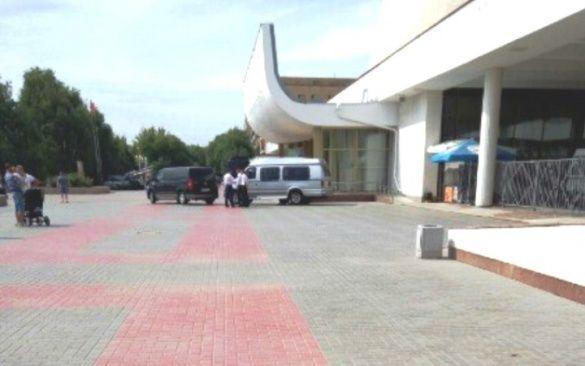 Музей закрили через візит екс-президента