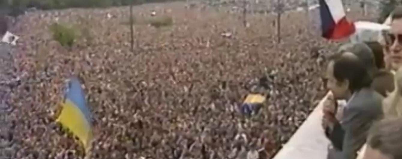 Українці розповіли, як жовто-сині прапори опинилися у Москві на історичних подіях серпня 1991-го