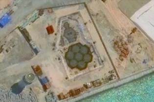 Китай будує першу закордонну військову базу поряд з американською
